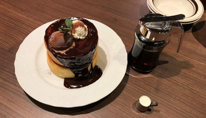 「星乃珈琲店 名駅椿店」のスフレパンケーキ