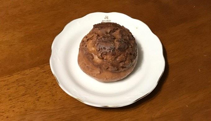 ファミリーマートの「香ばし生地のクッキーシュー」